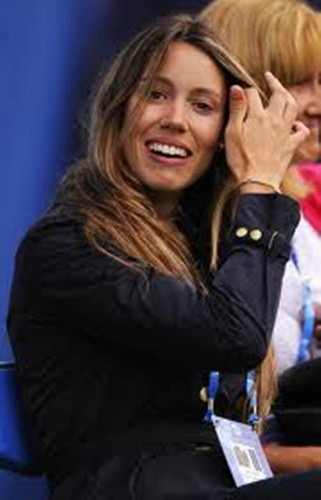 Nadal sister has bleached teeth