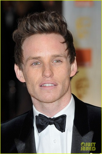 Eddie Redmayne - BAFTAs 2012 Red Carpet