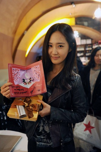 Yuri @ Fashion King at New York Backstage
