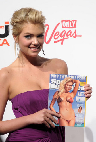 "Kate Upton - ""SI"" Swimsuit Hosted By PURE Nightclub - (16.02.2012)"