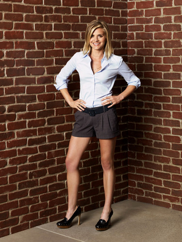 Eliza 轿跑车 ~ 'Happy Endings' Season Two Promotional Photoshoot