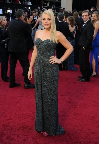 Busy Philipps - 84th Annual Academy Awards/red carpet - (26.02.2012)