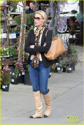 Katherine Heigl: Secret Farm Filming Should Be Legal!