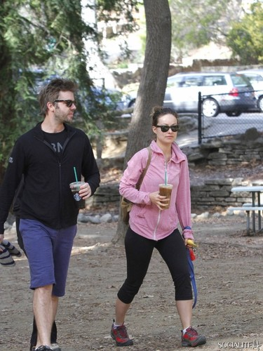 Olivia Wilde Hikes WIth Friends At Griffith Park
