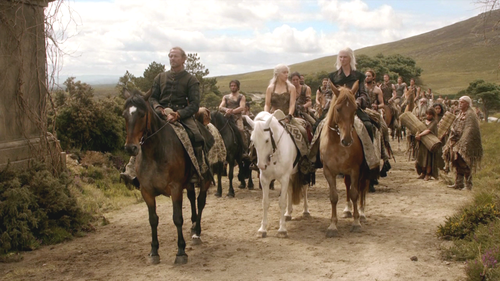 Daenerys, Viserys and Jorah with Dothraki