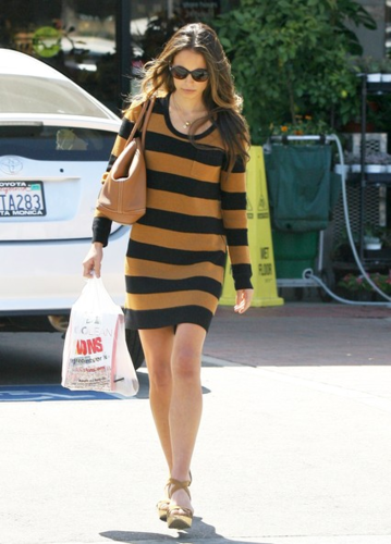 Jordana - Running Errands In Los Angeles, September 1, 2011