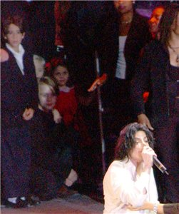 Macaulay Culkin, Prince and Paris Jackson watching Michael Jackson performing Live on stage MJs 30th