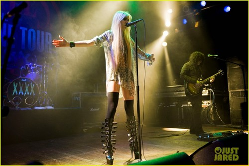 Taylor Momsen Performs at the House of Blues