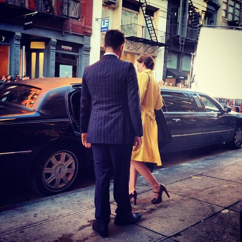 Chuck helping Blair getting in the limo ♥♥♥