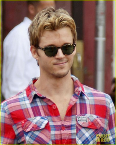 Ryan Kwanten: Superdry Shopper