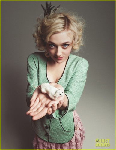 Dakota Fanning Covers 'Wonderland' April/May 2012