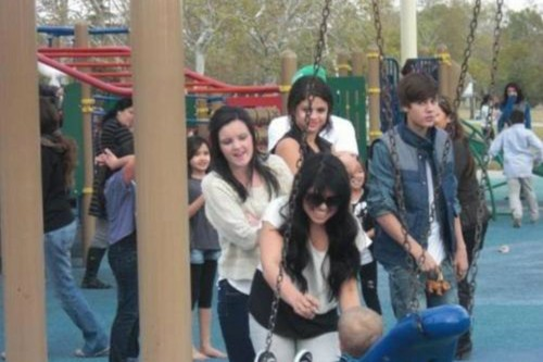 Justin Bieber, Selena Gomez, Ashley Cook and Priscilla Deleon