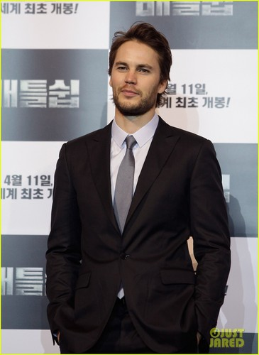 Taylor Kitsch: 'Battleship' in Seoul!
