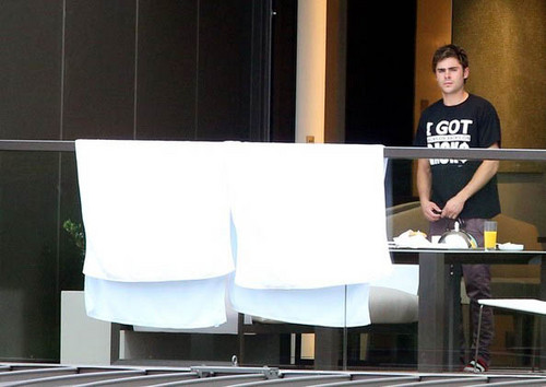 At Hotel In Sydney (New Photo)