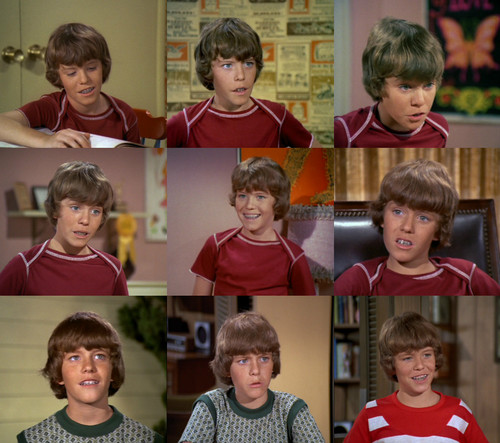 Mike Lookinland as Bobby Brady
