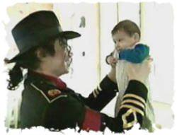 Our Sweet King with an Adorable Baby ♥ (rare)