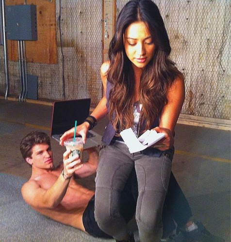 PLL Season 3 Behind the Scenes/ On Set