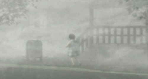 Silent colline Girl In the Fog