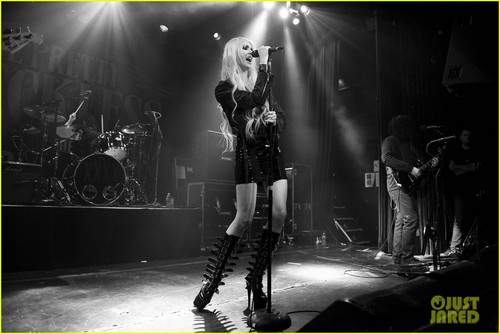 Taylor Momsen: Irving Plaza Tour Stop!