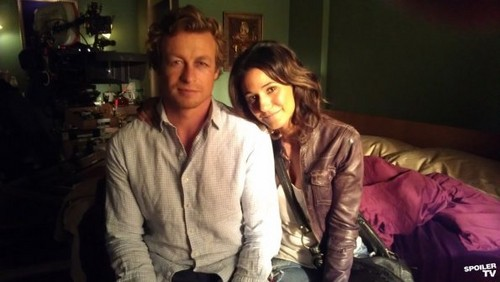 The Mentalist - Episode 4.24 - The Crimson Hat (Season Finale) - BTS litrato