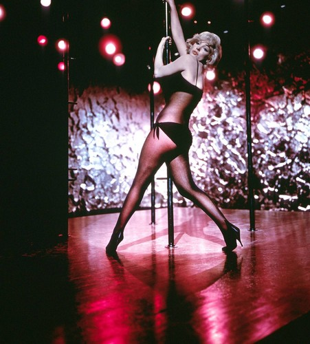 Marilyn Monroe (	Let's Make Love)