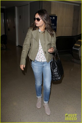 Mila Kunis: Frequent Flyer!