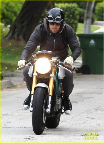 Ryan Reynolds: Motorcycle Man!