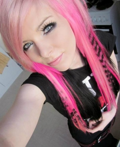 german, scene queen, emo girl, ira vampira, pink, purple, hair, coontails, sitemodel