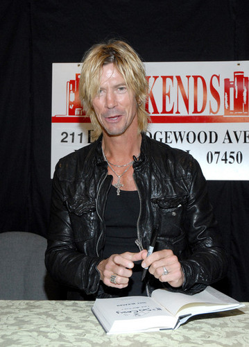 "Duff McKagan Signs Copies Of ""It's So Easy And Other Lies"""