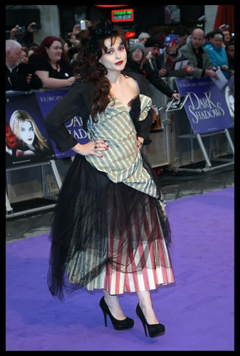Helena Bonham Carter - Dark Shadows Лондон Premiere
