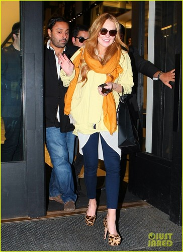 Lindsay Lohan: Shopping Spree with Vikram Chatwal
