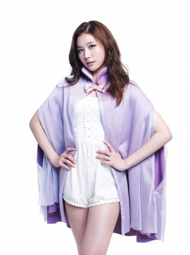 Yooyoung - Lead Dancer, Vocalist, Maknae (:♥