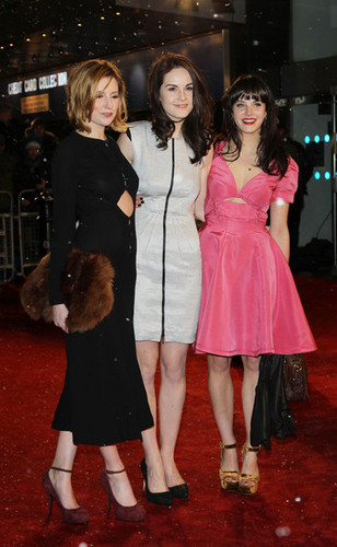 Jessica Brown-Findlay, Laura Carmichael & Michelle Dockery