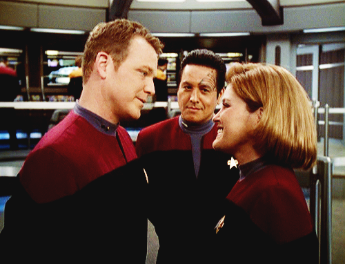 Do Ты guess who Chakotay is looking at?