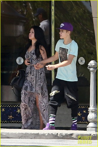 Justin Bieber & Selena Gomez: Movie Date!