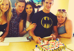 tvd cast + birthday cakeღ