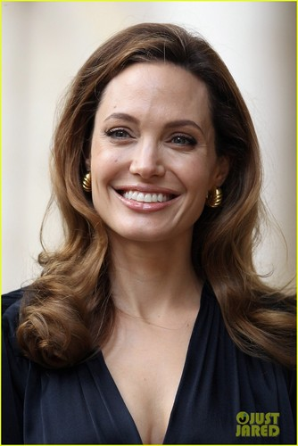 Angelina Jolie Helps Launch Fight Against Rape