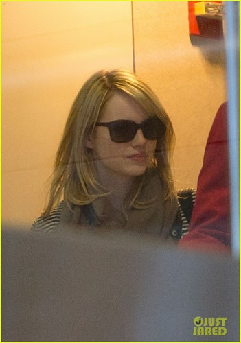 Emma Stone Flies High with Andrew Гарфилд