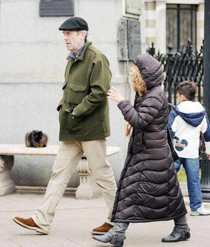 Hugh Laurie visiting Buenos Aires with the guia.06.06.2012
