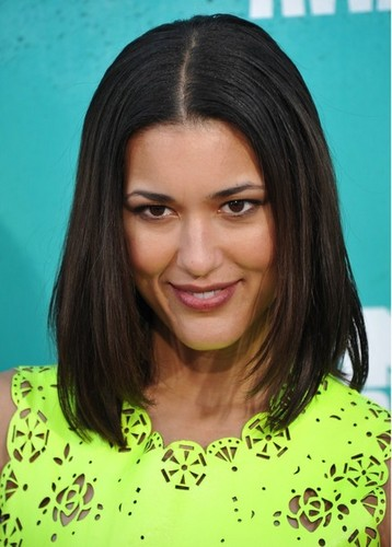 Julia Jones - mtv Movie Awards 2012