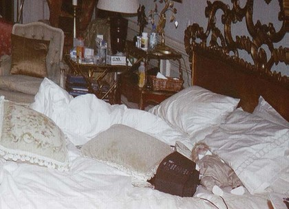 Michael Jackson BEDROOM hours after his DEATH