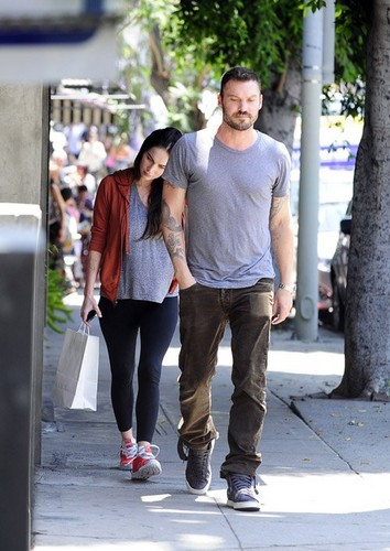 Megan Fox and Brian Austin Green were spotted leaving Little Dom's in Los Feliz, CA
