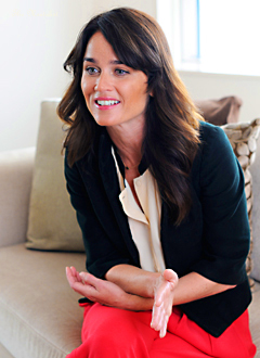 Robin Tunney is जापान