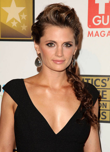 Stana Katic Close Up at the 2nd Annual Critics' 电视 Choice Awards on June 18, 2012
