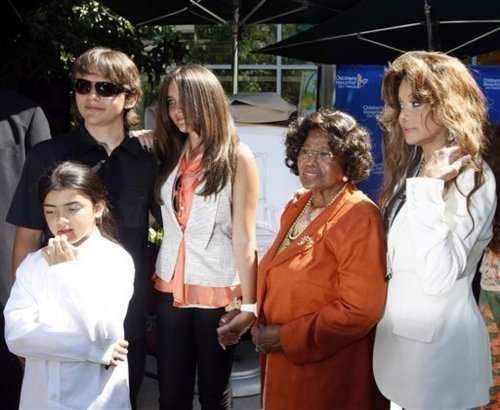 Katherine with Prince,Paris,Blanket & Latoya