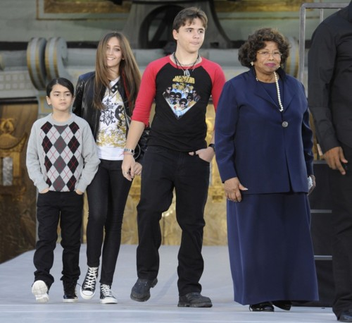 Katherine with Prince,Paris,Blanket