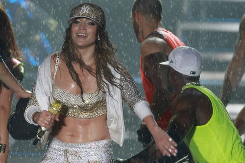 Performing at The Arte 음악 Festival In Brazil [1 July 2012]