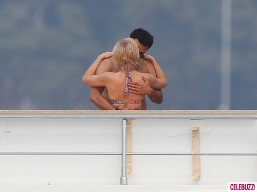 Naomi Watts Kisses Dodi Al Fayed Lookalike on Set