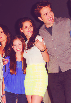 Robert, Kristen & Mackenzie at Comic-Con 2012