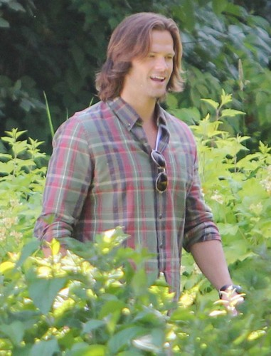 on set of Supernatural S8